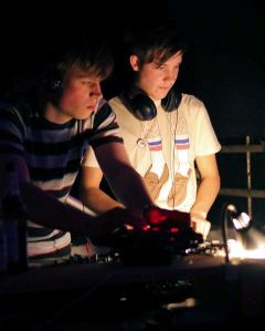 DJs Julian & Robin